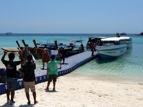 Bundhaya Speed Boat arriving at Koh Lipe
