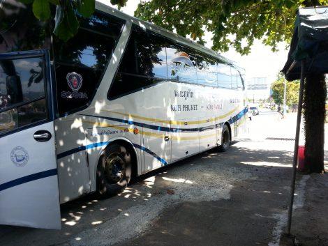 Phantip Travel Bus