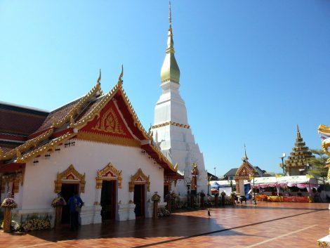 Wat Phra That Choeng Chum in Sakon Nakhon