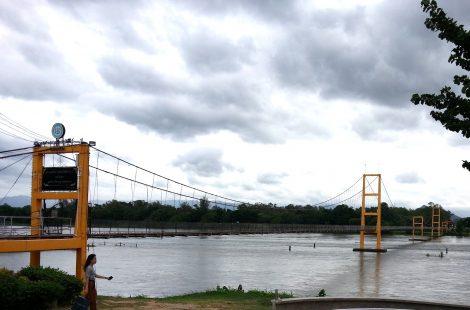 Bangkok Bicentennial Bridge in Tak
