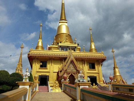 Wat Kiriwong in Nakhon Sawan