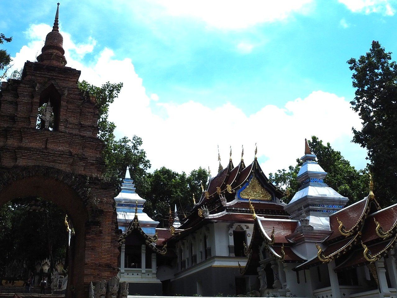 Wat Analyo Thipphayaram in Phayao