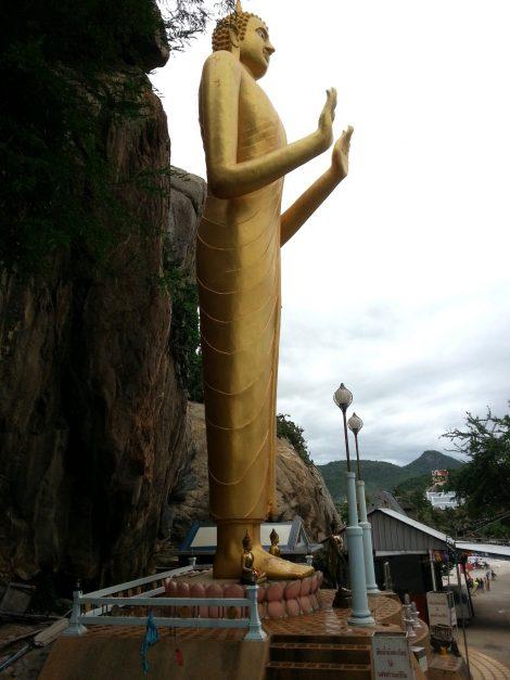 Wat Khao Takiab in Hua Hin