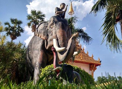 Phra Mahathat Kaen Nakhon in Khon Kaen